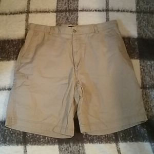 👞 Dockers khaki shorts